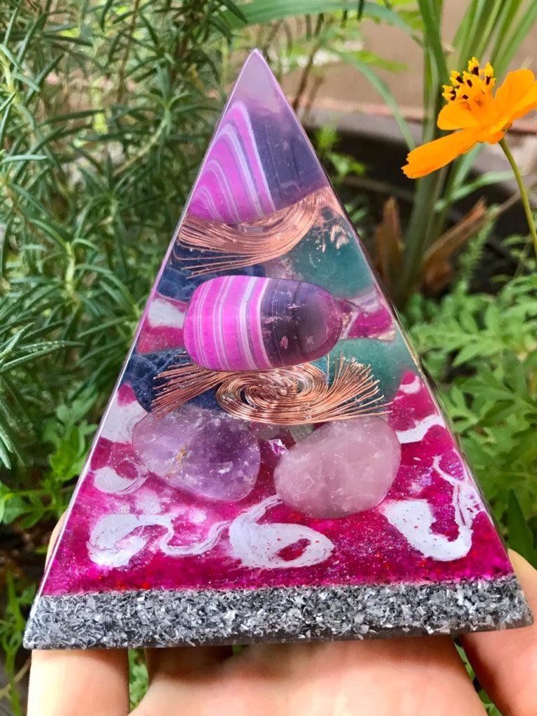 piramide orgonite agata