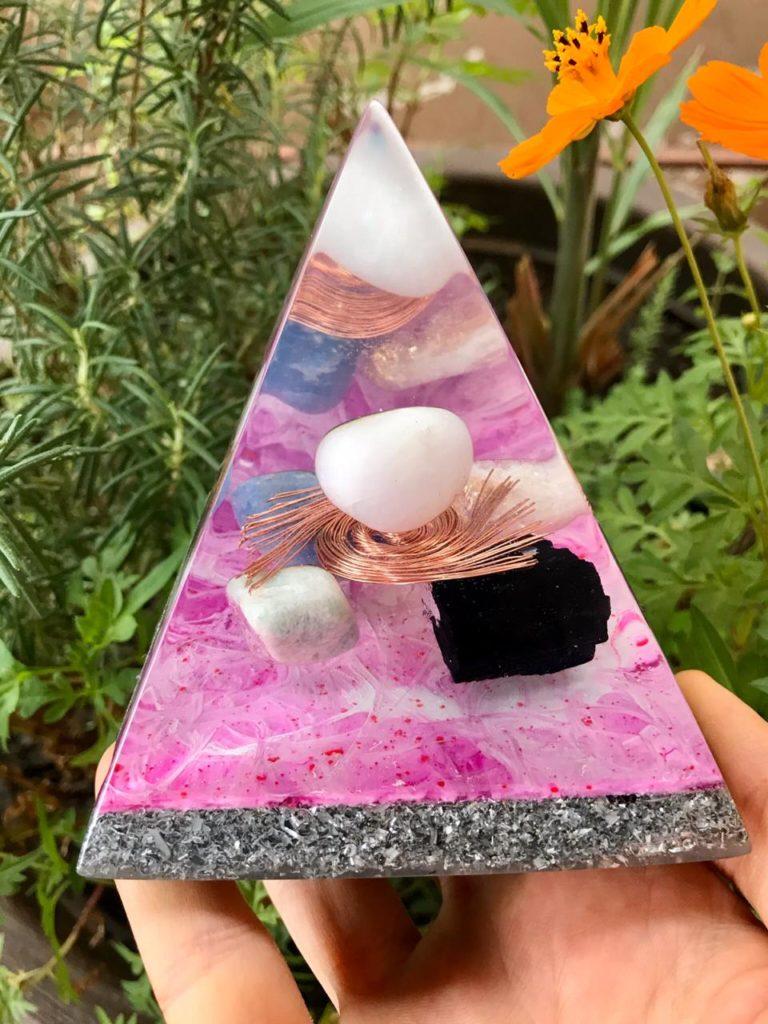 piramide orgonite turmalina negra
